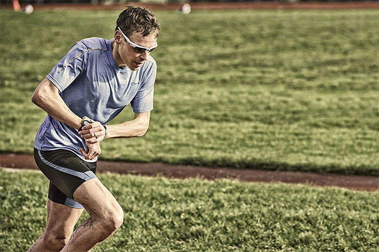 Für den Triathlon konzipiert: Die Sportuhr Garmin Forerunner 735XT