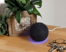 Wir haben Echo  Dot 4 bereits einem Test unterzogen und verraten, wie gut er abschneidet