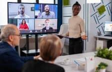 Mit dem Fire TV Cube lassen sich Videoanrufe bequem auch mit mehreren Personen tätigen