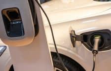 Eine Wallbox sollte von einem Elektriker montiert und installiert werden