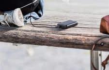 Eine Powerbank wie die Anker PowerCore II 10.000 mAh sorgt auch unterwegs für lange Smartphone Laufzeiten